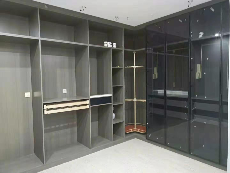 铝合金柜体玻璃门,碳晶门系列