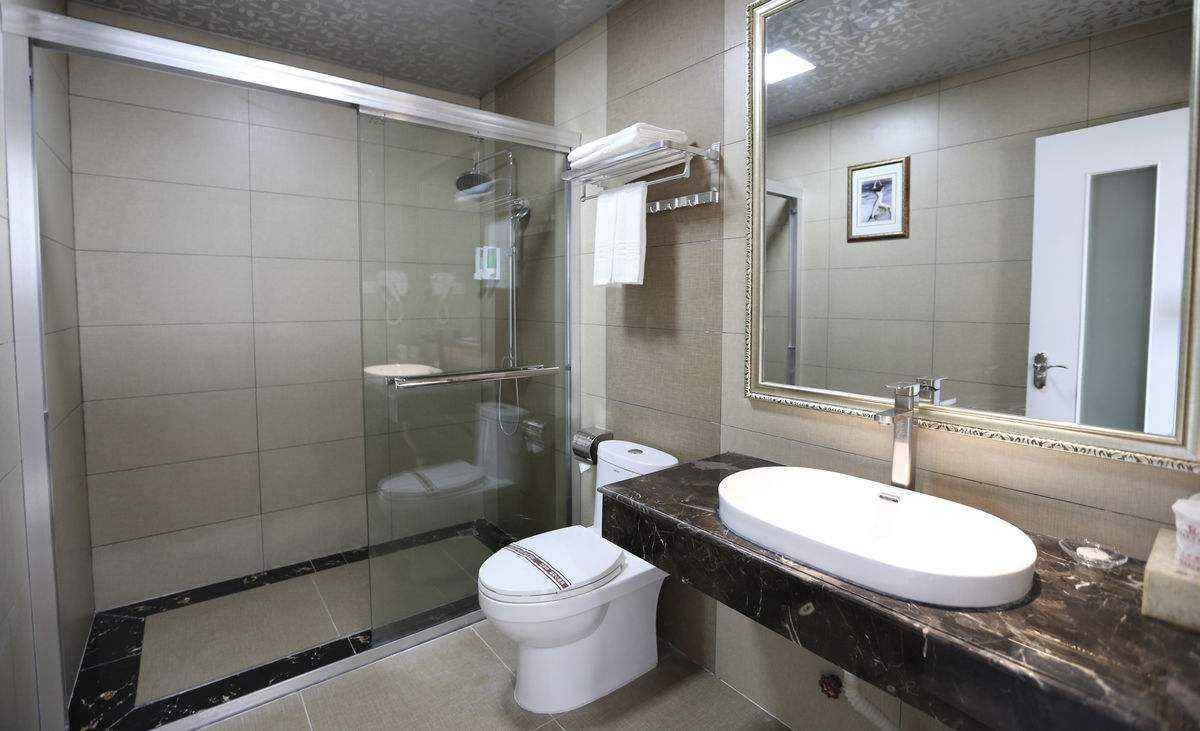 南京防水公司 防水材料 雨航防水 卫生间防漏常用  卫生间防水补漏 私家防水业务均可承接