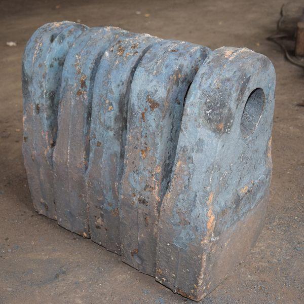 定制加工高锰钢锤头 耐磨锻打合金锤头 高铬锤头 锤式破碎机锤头就选如皋潮源铸造有限公司
