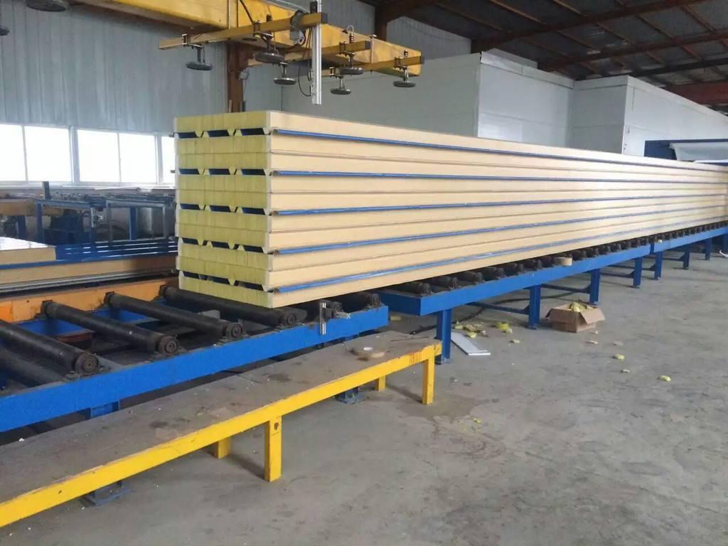 聚氨脂封边岩棉板 复合聚氨脂保温板,新型封边岩棉板,聚氨脂板厂家