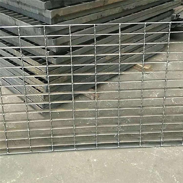 南京军利不锈钢厂家 专业从事 不锈钢格栅批发 不锈钢格栅生产