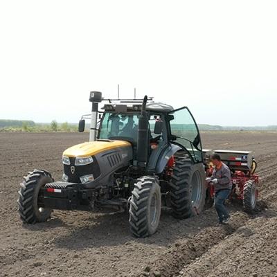 大型农用潍柴动力六缸四驱轮式拖拉机 丰疆智能1604/1804拖拉机 中型大型智能拖拉机生产 播种犁地旋耕多功能