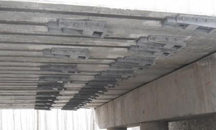 桥梁碳板加固锚具