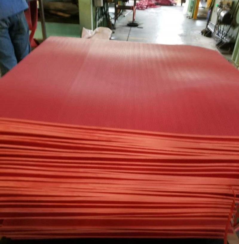 宽细条纹橡胶板