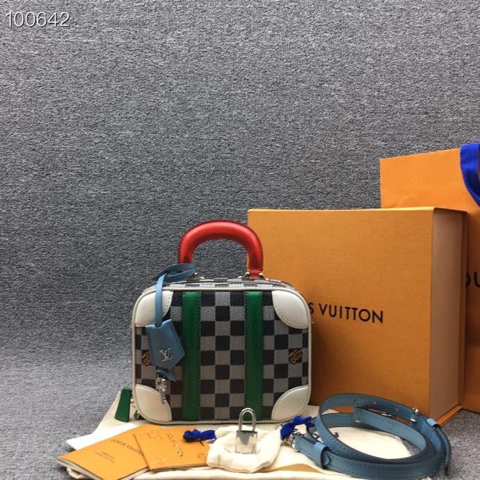 南京回收奢侈品包包 价高同行 专业回收