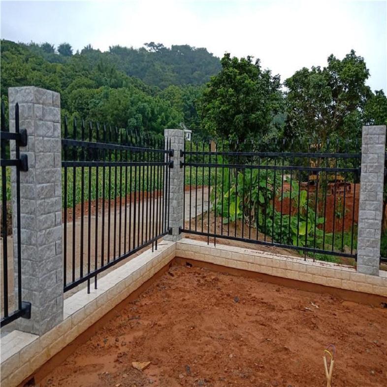 楼盘围墙护栏 场地隔离  钢结构围挡网