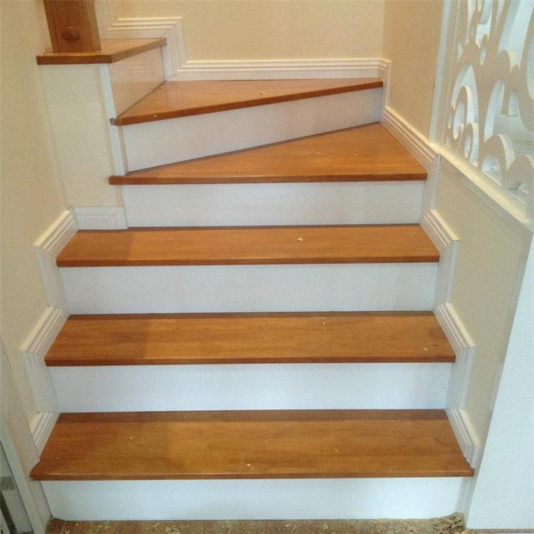钢架楼梯打基层包板 楼梯做基层