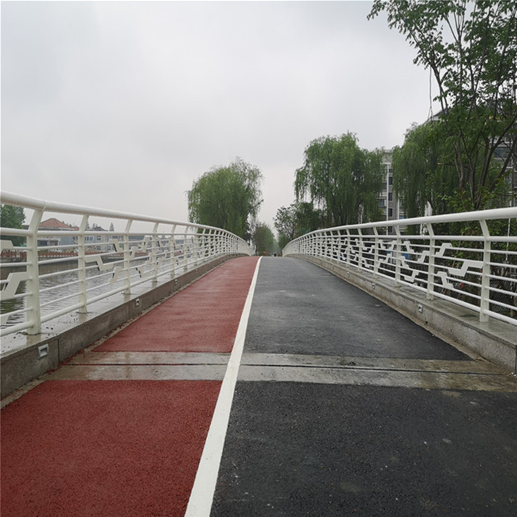 苏州304桥梁灯光护栏 益诺 城市道路护栏厂家 景观仿木栏杆 防撞桥梁护栏