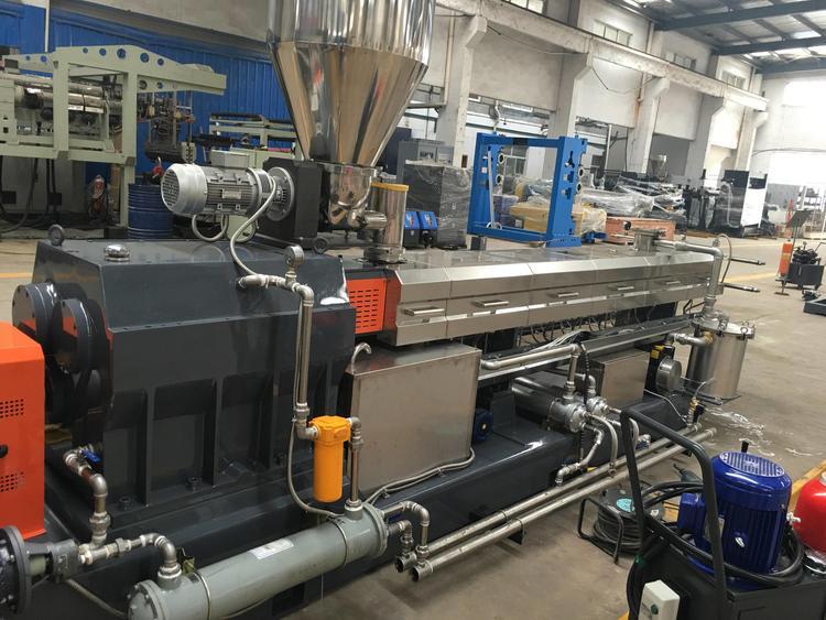南京双螺杆同向挤出机 冷水槽造粒机组 实验室挤出机 厂家直销 价格适中