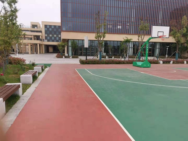 8mm硅PU篮球场 句容市城东南小学校篮球场施工案例