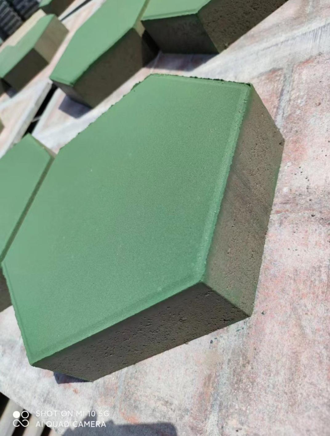 实心六角护坡砖 河道草坪固土砖 水利护坡实心砖 混凝土铺路砖厂家
