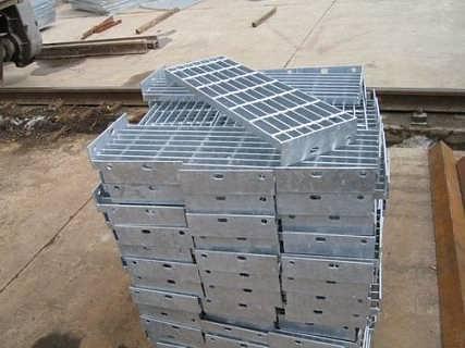 G325钢格板   南通密型钢格板   海安密型钢格板    如皋密型钢格板     如东密型钢格板   海门密型钢格板     启东密型钢格板    南通博和  厂家直销   电厂 化工厂垫道专用