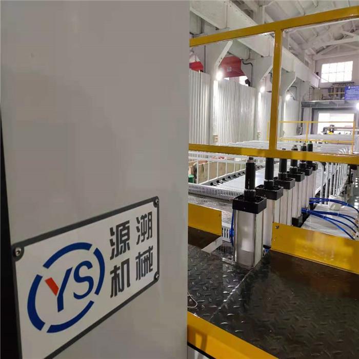 江苏源溯机械板材生产线 PE厚板生产线制造商 PE厚板生产线厂家供应商 厂家直销PE厚板生产线 PE厚板生产线价格