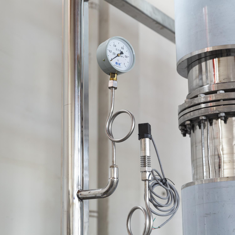 小型制药厂列管蒸馏水机管道蒸汽发生器价格